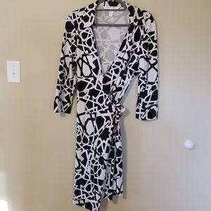 DvF Jeanne Black White Silk Jersey Wrap Dress 14